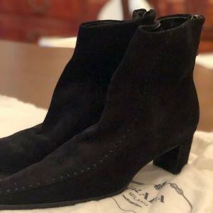 Ladies suede Prada boot